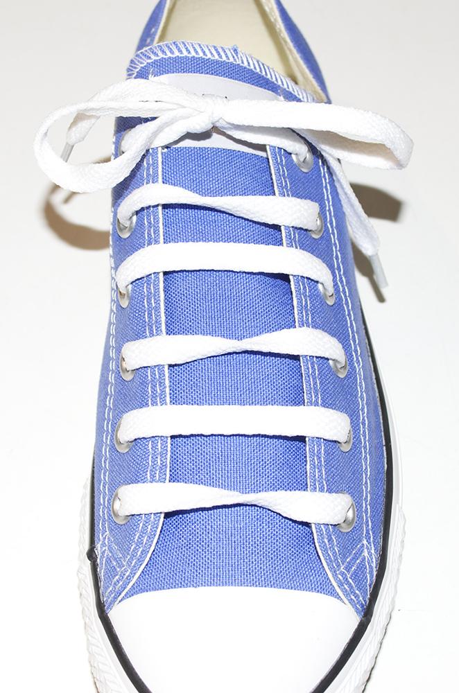 come allacciare le scarpe in 10 metodi diversi