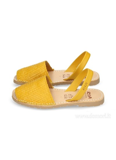 RIA MENORCA 21397 TRENZADO - Sandalo - Yellow